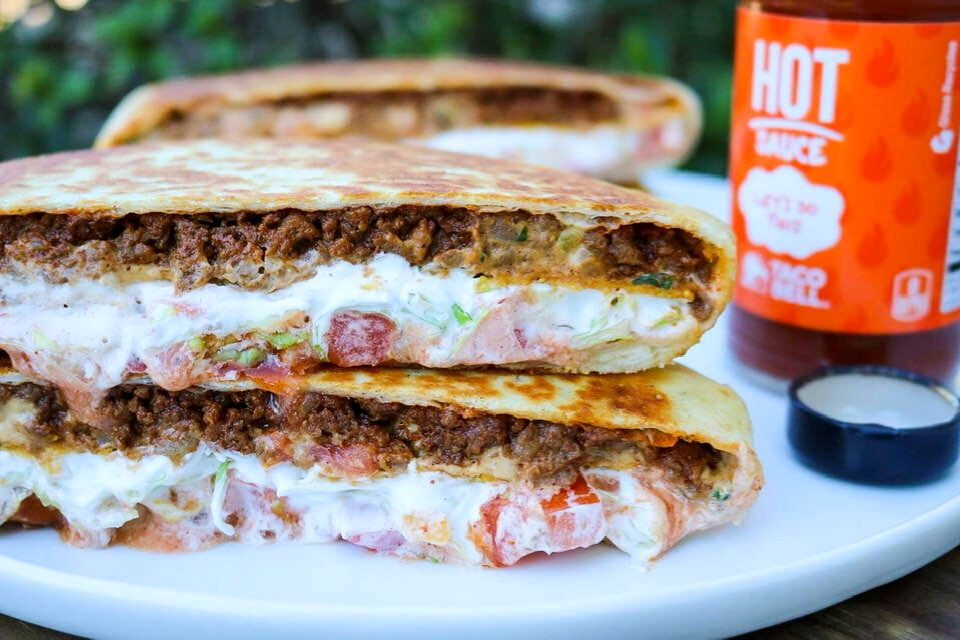 A close up look at the crunchwrap supreme