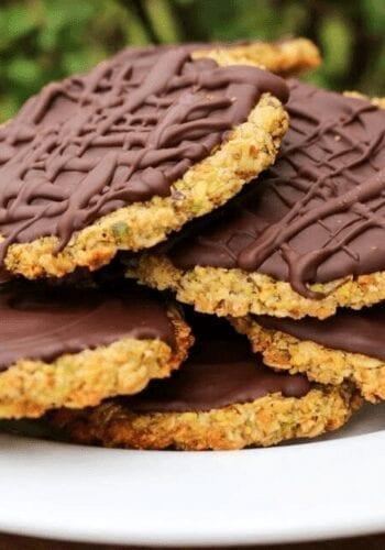 A plate full of healthy dark chocolate vegan Hobnobs