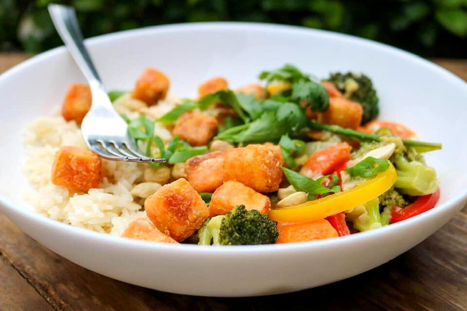 Jasmine rice, coconut green curry, veggies, crispy tofu