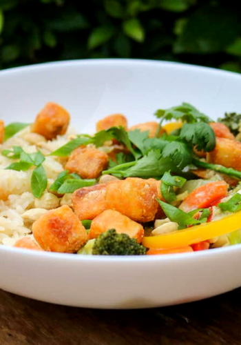 Coconut Thai green curry with vegetables and tofu