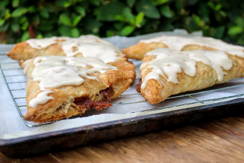 A close up look at the vegan apple turnovers